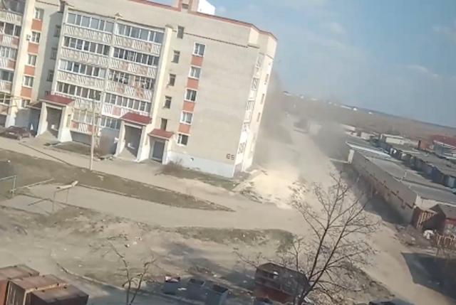 Жители Пензенской области сняли на видео «мини-смерч» в Кузнецке